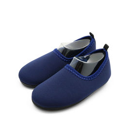 China Anti - Slip Soft Cute Winter Shoes Clean Easy High Density Neoprene Shell factory