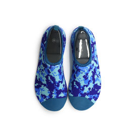 China Colorful Design Non Slip Water Shoes / Beach Aqua Water Shoes For Swimming factory